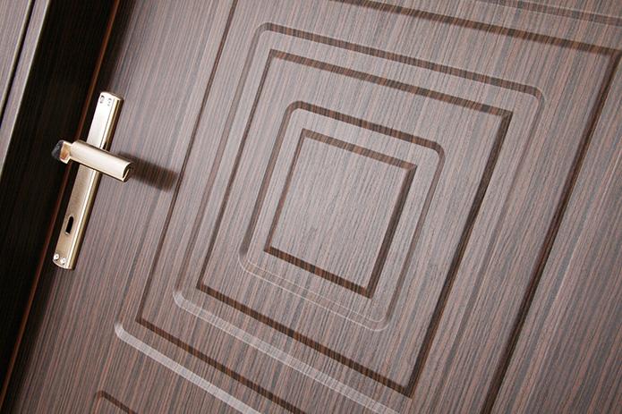Wood Doors Versus Metal Doors For Your Home Security